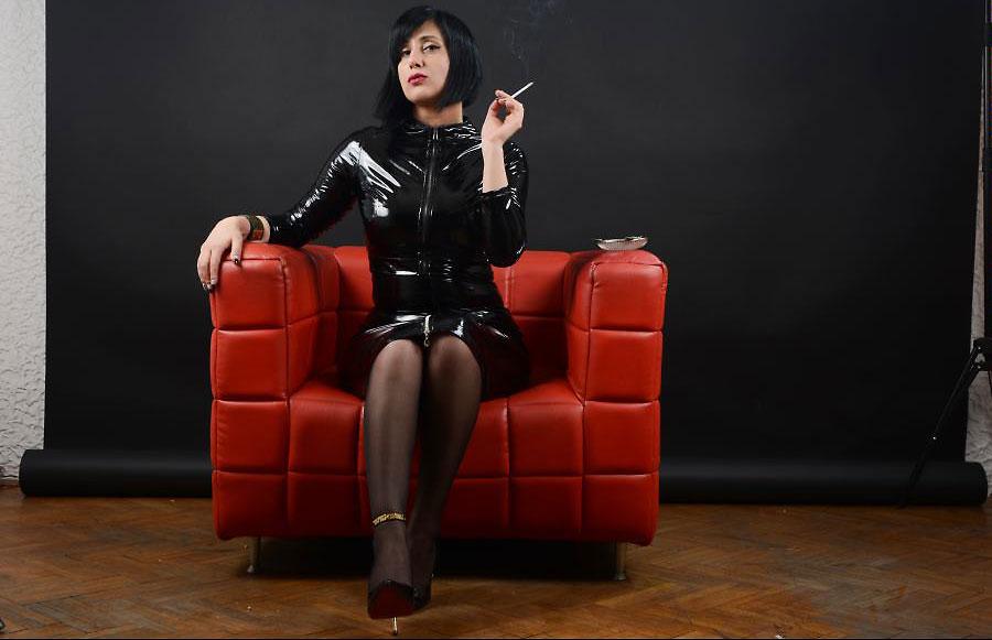 sadistic cam mistress viciousme