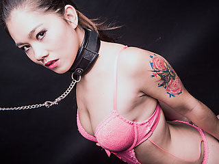 submissive asian pornstar misslinlace aka lin lee on a leash
